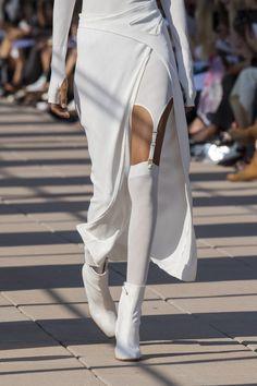 Dion Lee at New York Fashion Week Spring 2020 - Details Runway Photos fashion style fashion show fashion week runway catwalk trend beauty Trend Fashion, Sport Fashion, Fashion 2020, Fashion Details, New York Fashion, Look Fashion, Paris Fashion, Runway Fashion, Spring Fashion