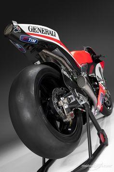 ♂ Motorcycle DUCATI DESMOSEDICI GP12
