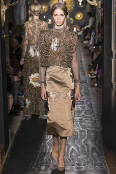 Valentino haute couture fw 2013 @}-,-;--