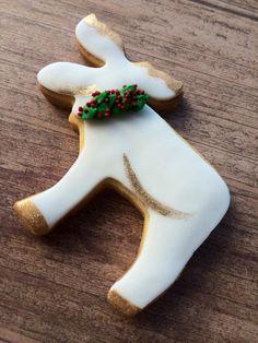 Christmas Moose, Christmas 2017, Christmas Tree Ornaments, Christmas Ideas, Merry Christmas, Christmas Gift Baskets, Christmas Sweets, Fancy Cookies, Christmas Cookies