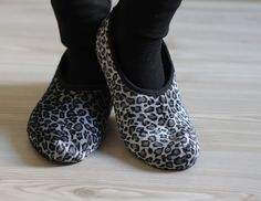 Hey, I found this really awesome Etsy listing at https://www.etsy.com/listing/118223479/clearance-women-socks-grey-leopard-women