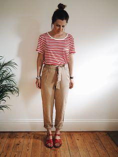 Matching my top to my shoes. Red stripes. Red saltwater sandals. H&M | Hannah and The Blog