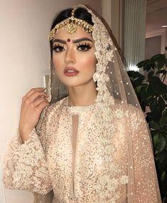 Wedding Dresses Pakistani Hair Ideas For 2019 Asian Wedding Makeup, Pakistani Bridal Makeup, Bridal Makeup Looks, Pakistani Bridal Dresses, Bridal Hair And Makeup, Bride Makeup, Pakistani Hair, Pakistani Makeup Looks, Indian Bridal Hair