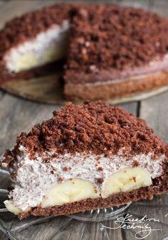 Krtkův dort, recept na domácí krtkův dort. Krtkův dort je skvělý dezert, který nemusíme péct pouze z krabičky. Máme pro vás skvělý recept na domácí krtkův dort. Existuje také varianta krtkův dort na plech, kdy stejné ingredience vrstvíme naplacato na plech místo na kopeček. Krtkův dort nejlepší recept. │víkendové pečení│krtkova torta│dort krtek│dětské dorty│dort│domácí krtkův dort│krtkův dort│krtkova torta na plech│ #dort #krtkův #pečení #dezert #cake #baking Czech Desserts, Sweet Desserts, Sweet Recipes, Baking Recipes, Cookie Recipes, Pasta Cake, Yummy Treats, Yummy Food, Czech Recipes