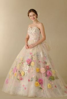 I love the look of flowers under the dresd Fairytale Dress, Fairy Dress, Wedding Dress Patterns, Colored Wedding Dresses, Pretty Quinceanera Dresses, Pretty Dresses, Gala Dresses, Event Dresses, Luxury Wedding Dress