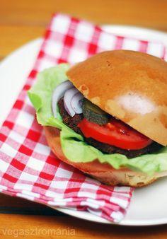 gomburger - vegasztrománia Hamburger, Ethnic Recipes, Food, Essen, Burgers, Meals, Yemek, Eten