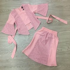 Top SIZE AGE SHOULDER CHEST LONG 0 3-6 MONTH 20 CM 23 CM 30 CM 1 1-2 YEAR 21 CM 26 CM 36 CM 2 2-3 YEAR 23 CM 28 CM 38 CM 4 4-5 YEAR 25 CM 32 CM 45 CM 6 6-7 YEAR… Baby Clothes Sizes, Cute Baby Clothes, Baby Girl Dress Patterns, Little Girl Dresses, Baby Girl Dress Design, Dress Girl, Kids Frocks Design, Baby Gown, Kids Outfits