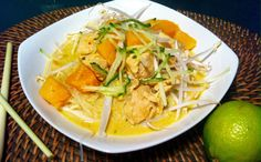 If you're a lover of Chinese or Malay food then you're probably also rather fond of a good Laksa dish. I absolutely love (just like most food) Laksa, especially a slightly spicy one ser… Coconut Cream Chicken, Cream Of Chicken, Healthy Chicken Recipes, Real Food Recipes, Onion Sprouts, Chicken Pumpkin, Malay Food, Laksa, Allergy Free