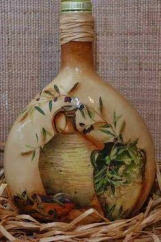 DECOUPAGE BOTELLAS - 108454843358570533544 - Álbumes web de Picasa Bottle Vase, Bottles And Jars, Glass Bottles, Recycled Wine Bottles, Wine Bottle Crafts, Shabby Chic Kitchen Accessories, Bottle Painting, Jar Painting, Decoupage Glass