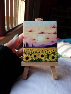 40 Easy Mini Canvas Painting Ideas For Beginners – Artistic Haven
