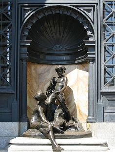 Alfred Laliberté May 1878 - 13 January was a Canadian sculptor and painter based in Montreal. His output includes more than 900 sculptures in bronze, marble, wood, and plaster. Montreal Quebec, Quebec City, Monuments, Statues, Art Public, Sculptures, Lion Sculpture, 10 Picture, Canada Travel