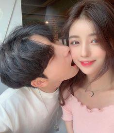 Couple Ulzzang, Ulzzang Korean Girl, Couple Aesthetic, Korean Aesthetic, Best Friend Couples, Japanese Couple, Kpop Couples, Korean People, Photo Couple