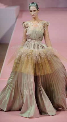 Alexis Mabille Haute Couture Spring 2013 - This color is amazing, neutral and yet complex as well <3