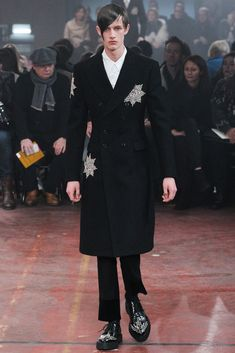 Alexander McQueen - Fall 2015 Menswear - Look 31 of 32 // get rid of the sparklies, and it would make a great woman's suit. Or guy, but women too!