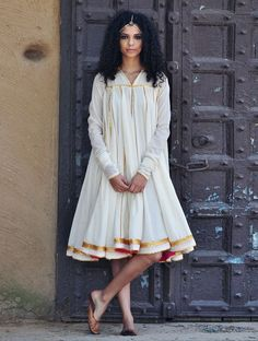 Pakistani Dresses Casual, Pakistani Dress Design, Indian Dresses, Indian Outfits, Frock Fashion, Fashion Dresses, Indian Designer Outfits, Designer Dresses, Cotton Dresses Online