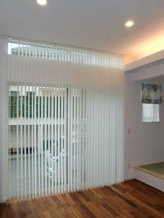 ニチベイの縦型ブラインド Window Coverings, House Rooms, Blinds, Divider, Windows, Interior, Furniture, Home Decor, Living Room