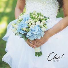 Наш летний букет невесты с гидрангией, также известной, как гортензия Мы работаем со множеством цветов и составим свадебный букет индивидуально для вас и вашего грандиозного дня #chicwedding #chicwed #chicfw #chicspb #цветыспб #радость #счастье #питер #спб #цветыназаказ #оформление #декорсвадьбы #любовь #декор #свадебнаяфлористика #букет #невеста #букетневесты #свадьба #свадьбаспб #свадьба2015 #шик #chic #гидрангия #гортензия #лето #летнийбукет