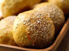 Porkkanasämpylät Savoury Baking, Yummy Eats, Food Inspiration, Baked Potato, Bread Recipes, Muffin, Rolls, Food And Drink, Potatoes