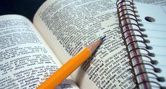 Apostilas em PDF e um roteiro para estudar gramática em casa. Se você decidiu estudar por conta própria e não sabe por onde começar, está no lugar certo!