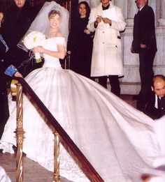 Singer Thalia arriving to her wedding ceremony in NYC....  Beautiful dress for a beautiful girl..