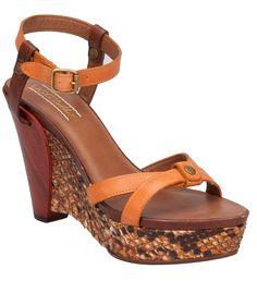 Luxury for your feet: Trendy Sandale in Braun von UGG Collection!