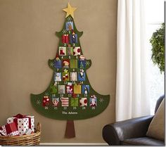 Craft of the Week: Felt Christmas Tree Advent Calendar Tutorial - Part 1 Advent Calendar Activities, Felt Advent Calendar, Christmas Tree Advent Calendar, Advent Calenders, Christmas Activities, Christmas Traditions, Calendar Ideas, Family Activities, Christmas Countdown