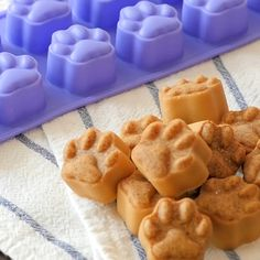 dogsbreeds dogsandpuppies dogsideas dogstreats dogtips is part of Dog treats homemade recipes - Puppy Treats, Diy Dog Treats, Puppy Food, Healthy Dog Treats, Dog Biscuit Recipes, Dog Treat Recipes, Dog Food Recipes, Homemade Dog Cookies, Homemade Dog Food