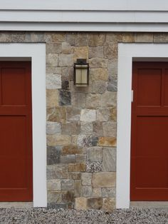 Stoneyard Boston Blend Square and Rectangular House Foundation Real Stone Veneer, Stone Veneer Panels, Natural Stone Veneer, Stone Exterior Houses, Stone Houses, Stone Siding, Stone Walls, New England Style Homes, House Front Porch
