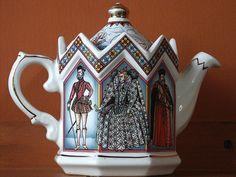 An antique teapot by photoholic image, via Flickr