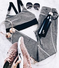 Sport outfit athletic wear workout gear 23 new Ideas Sport Fashion, Fashion Pants, Fitness Fashion, Gym Fashion, Flat Lay Fashion, Fashion Outfits, Fashion Clothes, Workout Attire, Workout Wear