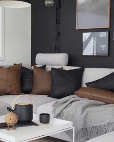 designerhome.no - Møbler Interiør & Gaver Couch, Bed, Furniture, Home Decor, Velvet, Settee, Decoration Home, Sofa, Stream Bed