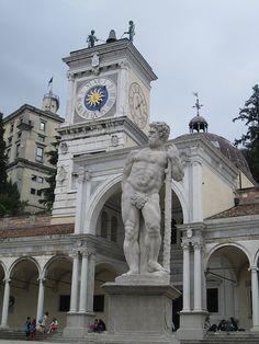 Hercules statue, Piazza della Libertà, Udine, Italy by Paul McClure DC, via Flickr - #udine #friuli #city #travel #italy - Stop&Sleep Udine