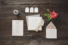Hoi! Ik heb een geweldige listing op Etsy gevonden: https://www.etsy.com/nl/listing/262508234/letterpress-wedding-invitation-modern