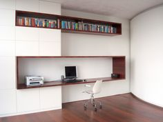 37 Minimalist Home Offices That Sport Simple But Stylish Workspaces Creating a simplified home office space can help with daily organisation and work productivity. Get started on yours with these minimalist home office ideas. Modern Home Offices, Modern Office Design, Office Interior Design, Modern House Design, Office Interiors, Office Designs, Stylish Interior, Modern Lofts, Simple Interior