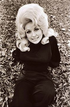 Country Diva DollyParton - Country music news, reviews & all your favs
