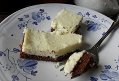 15 leheletkönnyű túrós-vaníliapudingos sütemény | nosalty.hu Hungarian Recipes, Hungarian Food, Ale, Cheesecake, Sweets, Hungarian Cuisine, Good Stocking Stuffers, Cheese Cakes, Candy