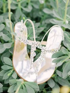 wedding shoes idea; photo: Honey Honey Photography