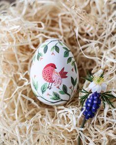 ღ˘⌣˘ღ Easter Egg Crafts, Easter Eggs, Easter Illustration, Easter Egg Designs, Easter Traditions, Egg Art, Egg Decorating, Happy Easter, Easter Funny