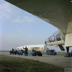 British Airline, V Force, Avro Vulcan, Delta Wing, Travel Companies, Royal Air Force, War Machine, Cold War, Military Vehicles