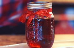 Add some minty goodness to this Peppermint Candy Cane Moonshine recipe, a no-brainer when it comes to holiday drinks. Bar Drinks, Cocktail Drinks, Yummy Drinks, Alcoholic Drinks, Beverages, Drinks Alcohol, Drink Menu, Cocktail Recipes, Train