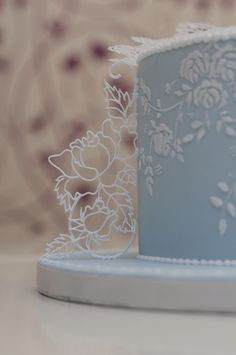 https://flic.kr/p/CAE1Vo | _DSC0705 | royal icing filigree on the side
