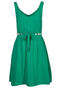 so fun!! pair it with some contrasting jewelry and shoes and it'd be adorable!!