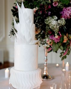 20 Tall, Skinny Wedding Cakes That Will Bring Your Dessert Table to New Heights – Wedding details ideas Textured Wedding Cakes, Black Wedding Cakes, Unique Wedding Cakes, Beautiful Wedding Cakes, Wedding Cake Designs, Cake Wedding, Wedding Cake Centerpieces, Wedding Reception Decorations, Wedding Ideas