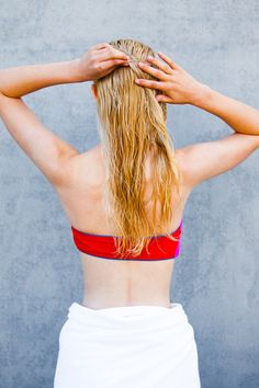 3 super easy wet hair DIYs that are perfect for the Fourth of July. Hello, perfect beach & pool party styles!