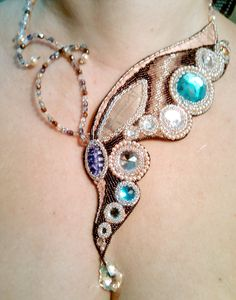 Moth (or butterfly) Custom Jewelry, Jewelry Art, Beaded Jewelry, Jewelry Accessories, Fashion Jewelry, Women Jewelry, Seed Bead Necklace, Beaded Necklace, Bead Embroidery Jewelry
