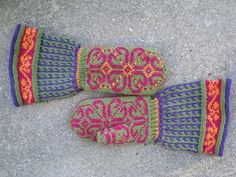 Pattern nr. 5.10 from the book Magnificent Mittens by Anna Zilboorg.