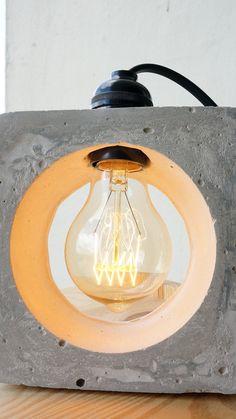 Verträumt konkrete Nachttischlampe von ConcreteEverything auf Etsy
