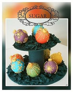 Cakes and photo by chocolatedrummer, Premium Member © Sarah Phillips    Cakes and photo by chocolatedrummer, Premium Member © Sarah Phillips   These are great fun to make and look stunning packaged in a box with tissue paper or on a cake stand. CAKE RECIPE HELP