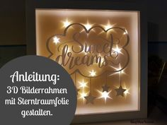 [Plotter-Anleitung] Bilderrahmen mit Sterntraumfolie bekleben ♥ Plotter Instructions: How to spice up a picture frame with star dream foil and a plotter motif. Plotter Silhouette Cameo, Silhouette Cameo Tutorials, Frame Crafts, Wood Crafts, Diy And Crafts, 3d Picture Frame, Handmade Chandelier, Licht Box, Wood Craft Patterns