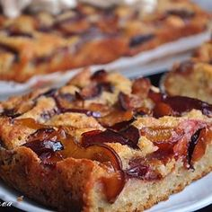 Prajitura simpla cu prune No Cook Desserts, Sweets Recipes, Cookie Recipes, Romanian Desserts, Plum Cake, Healthy Sweets, Dessert Bars, Coco, Cake Decorating